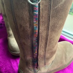 UGG Shoes - UGG ladies sheepskin brown boots sz 5
